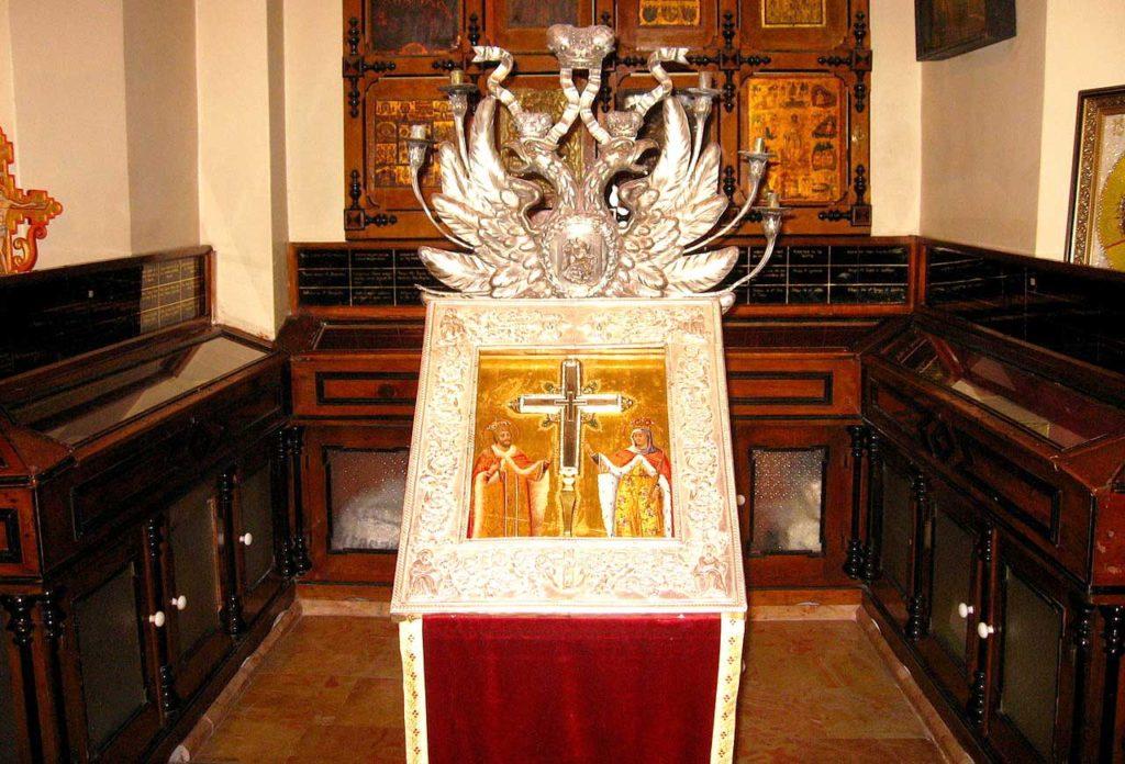 Крест животворящий
